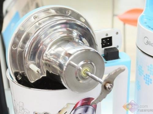 此款豆浆机采用创新的直流电机