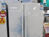 厨房中的蓝百合 美菱对开门冰箱新品