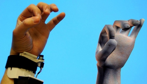 微软展示的手势操控技术
