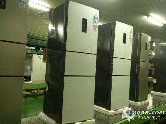 中韩生产线上的三门冰箱