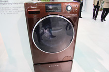 海信展出的洗干一體機產品圖