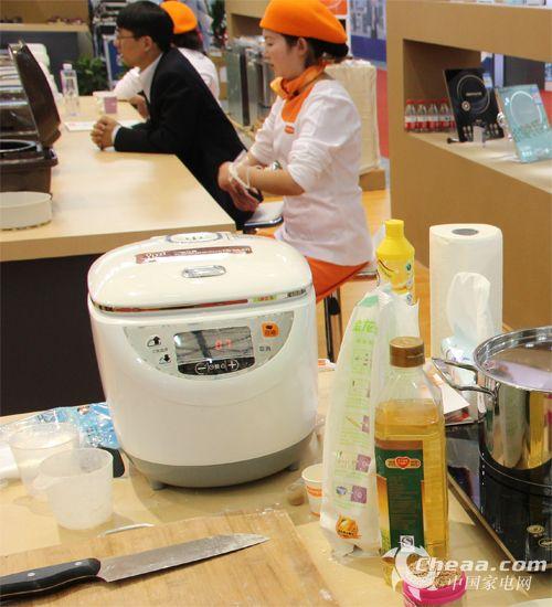 闪亮AWE2014 九阳打造中国消费者民族厨电
