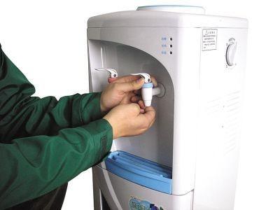 约有一半的居民使用饮水机从未清洗过饮水机