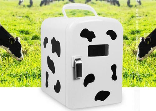 参考价格:145元   毫无疑问,那些样式小巧可爱的迷你冰箱是非常受