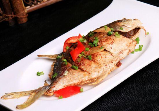 每日平鱼家常菜:一道v平鱼香煎清香黑米高压锅煮图片