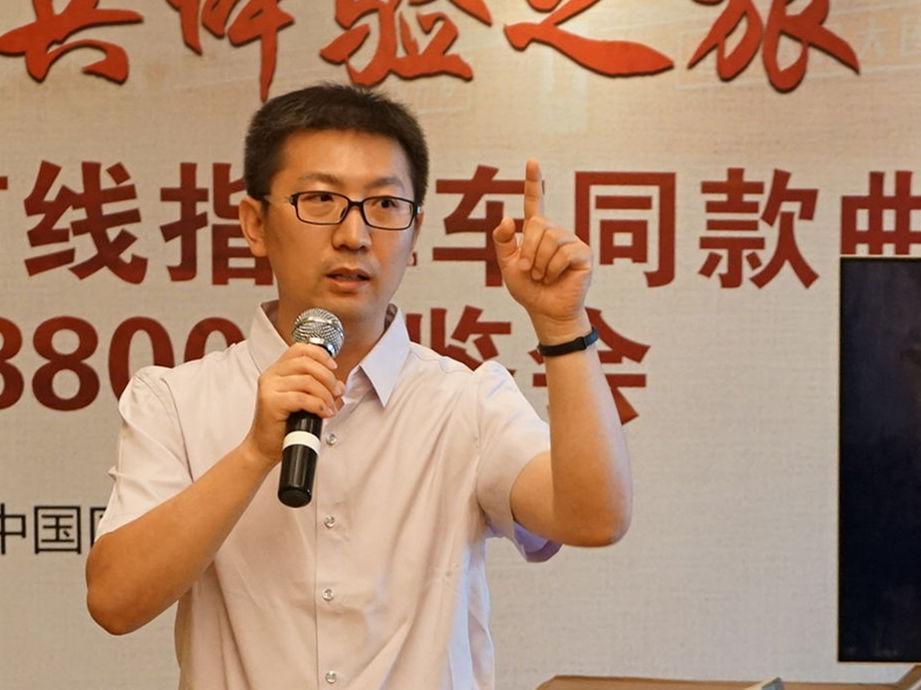 眼科专家刘小伟:曲面电视更符合生理需求