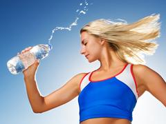 洁净饮水 呵护健康 今天你喝好水了吗?