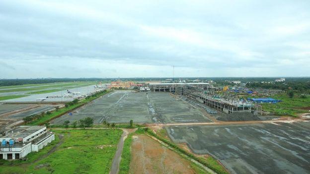 印度首座全太阳能发电机场建成引围观