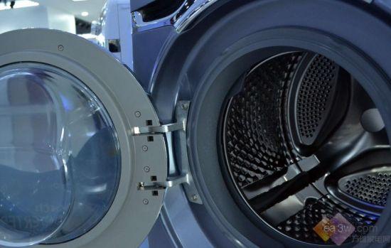 """创维""""i-dd变频""""滚筒洗衣机内桶顶部设计有喷淋孔"""