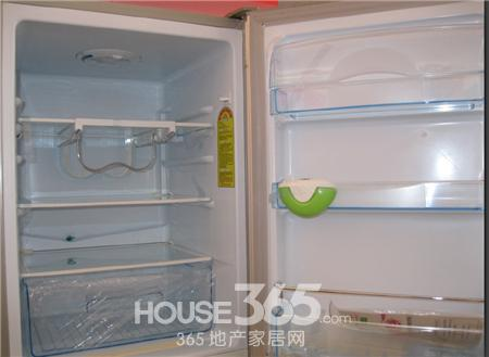 冰箱冷藏室积水结冰该如何有效解决?