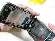 刚买不久的手机,咋就过保修期了呢?