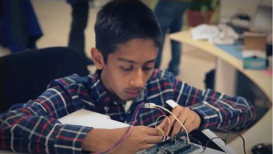 15岁美国小伙发明世界最智能微波炉