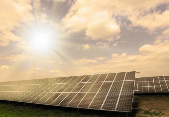 到2026年太阳能储能市场收益将达526亿