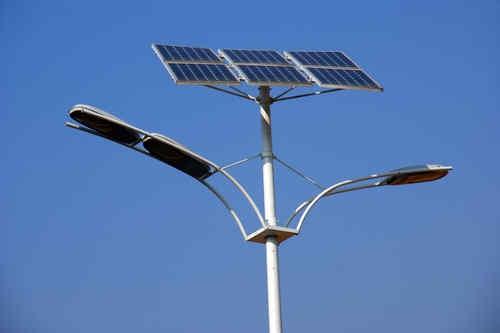 [龙光乡]65盏太阳能路灯照亮群众心
