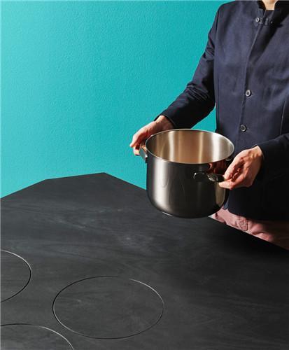 来自未来的魔术厨房操作台让煮饭就像变魔术