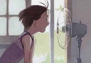 闷热天气,电风扇摆放不对,真是浪费电!