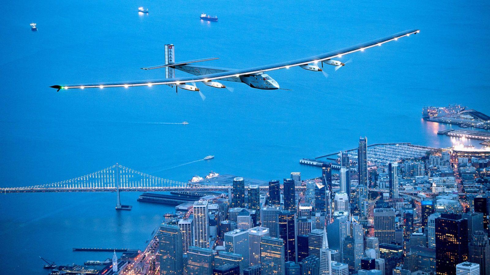 全球首架太阳能飞机在美国成功降落