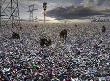 中国电子垃圾成灾 废旧手机是有毒污染源