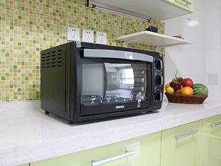 弧形内胆发蓝管技术 格兰仕30L电烤箱热销