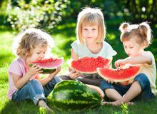 末伏吃西瓜祛暑降温 可是你会吃西瓜吗