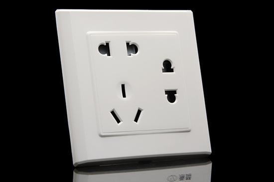 做好安全防范 插座安装你知道有多重要?