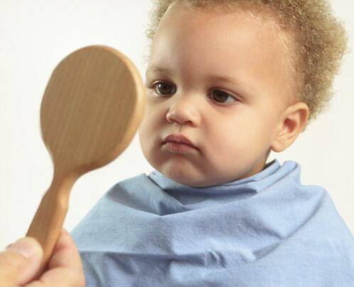 给宝宝理发学问多 理发器功率越大越好吗