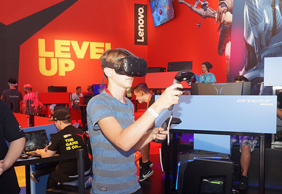 玩轉IFA VR帶你暢游虛擬世界
