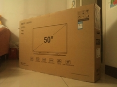 新购的电视机自行拆封现破损引发纠纷