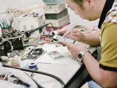 家电维修:收钱不问事,要你有何用?