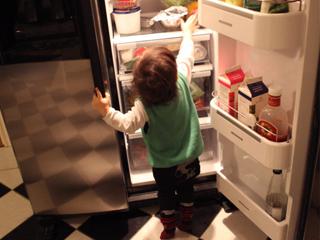 无论何时吃货的幸福感都是冰箱里塞满好吃的