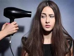 头发怎么变蓬松?小技巧让发型一整天都不塌