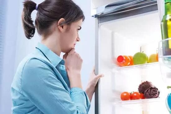 關掉冰箱省電?