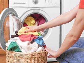 衣物攒着一起洗?寒冷冬季洗衣误区整理