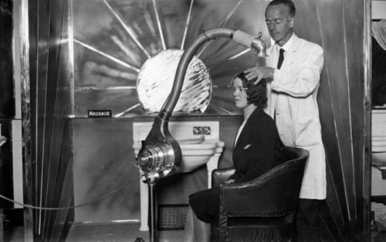 梦露用的吹风机竟然长这样!探秘吹风机进化史