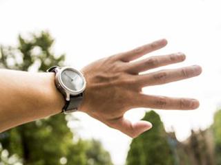 LunaR双时区太阳能智能手表淘宝众筹首发