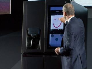 LG把AI用在冰箱上 还配备29英寸触摸显示屏