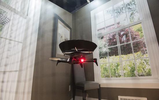没错,这是全世界第一台空气净化无人机。