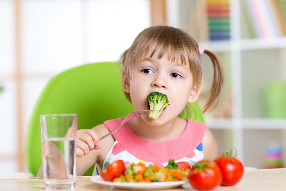 """面对十大""""最脏""""蔬果 你可以试试这么吃"""
