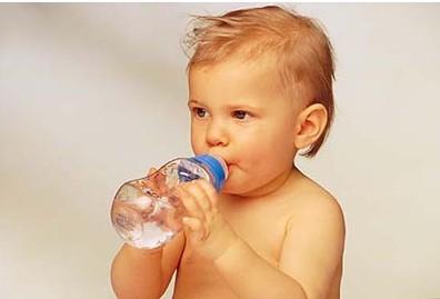 宝宝的饮用水 做家长的需要用心选择