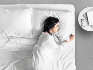 永远不洗床单是不可能的 但它用两周不是事