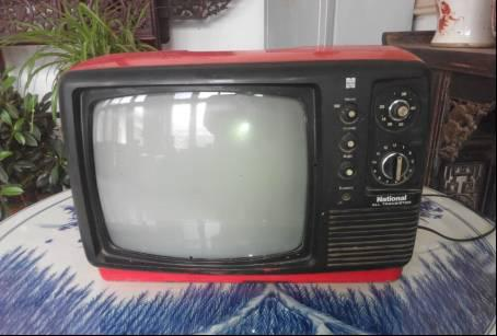 20世纪80年代日本national松下黑白电视机