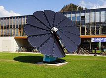 智能太阳能电池板 太阳走哪儿我跟哪儿