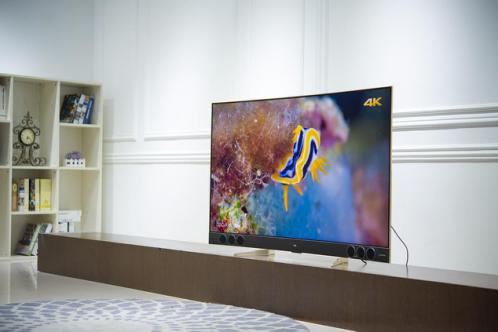 TCL XESS超薄量子点曲面电视X3高清图赏