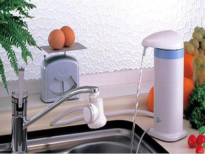 利发国际器使用不当易污染 接出来的比自来水脏