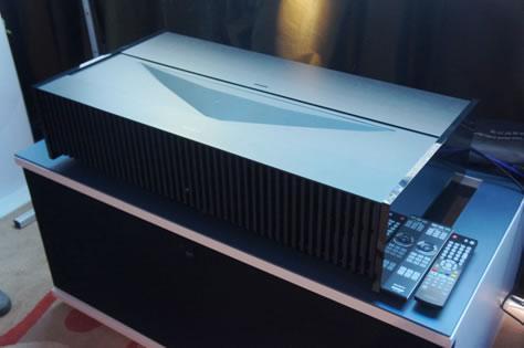 对手都哭了!索尼推出超短焦4K激光电视