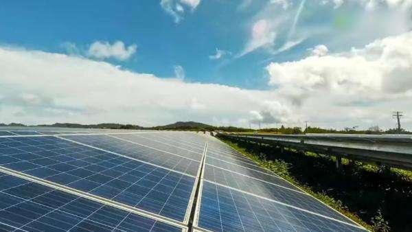"""特斯拉的太阳能业务就是一场""""破产游戏""""?"""
