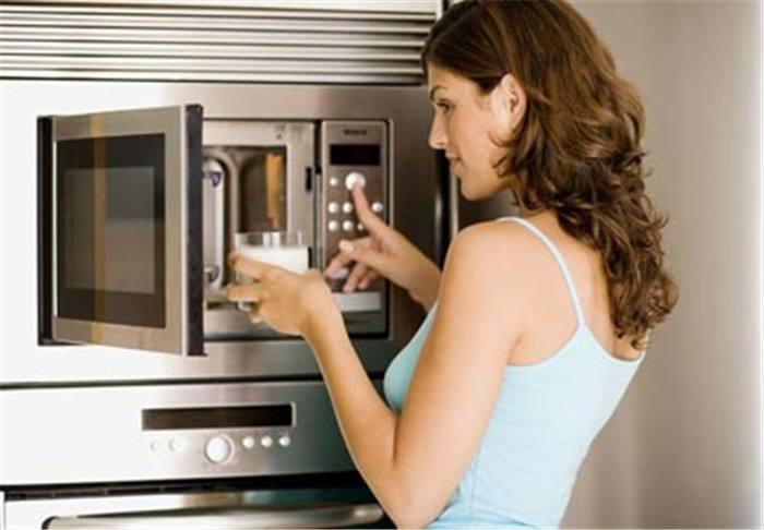 注意!这些食物千万不要放到微波炉里加热