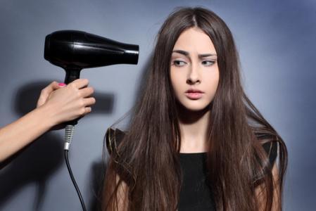 怎么使用吹风机不伤头发?教你7种使用方法