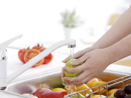 水果又可以带皮吃的秘密——方太水槽洗碗机