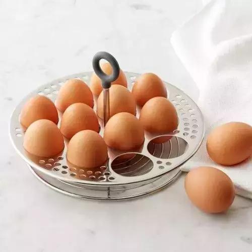 鸡蛋别直接放冰箱 原来这么多年都错了!